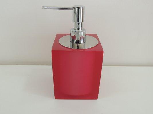 saboneteira-liquida-de-mesa-10-5-x-8-0-x-8-0-cm-em-poliester-rosa-com-tampa-cromada